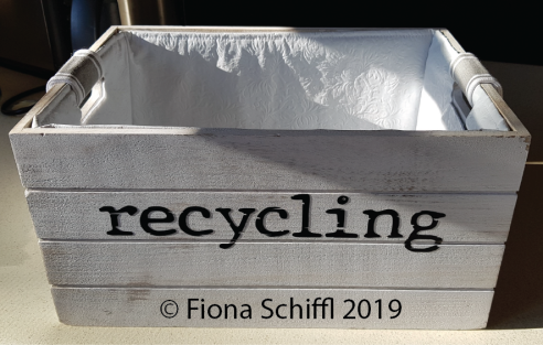 Kitchen recycling box Fiona Schiffl